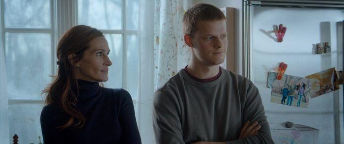 Julia Roberts and Lucas Hedges in <i>Ben Is Back</i>.