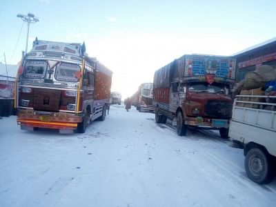 Sonamarg: Snowfall leaves trucks stranded in Sonamarg, Jammu and Kashmir on Dec 7, 2017. Night temperatures increased throughout Jammu and Kashmir on Thursday due to a partial overnight cloud cover. Jammu city and Leh town recorded the season