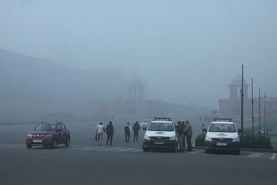 Cold Thursday morning in Delhi. (Photo: IANS)
