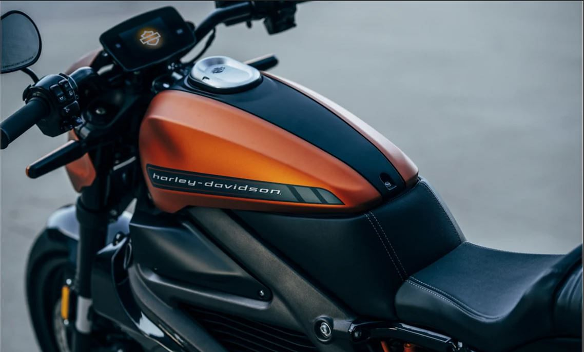 The bike can be controlled via a H-D Connect app.