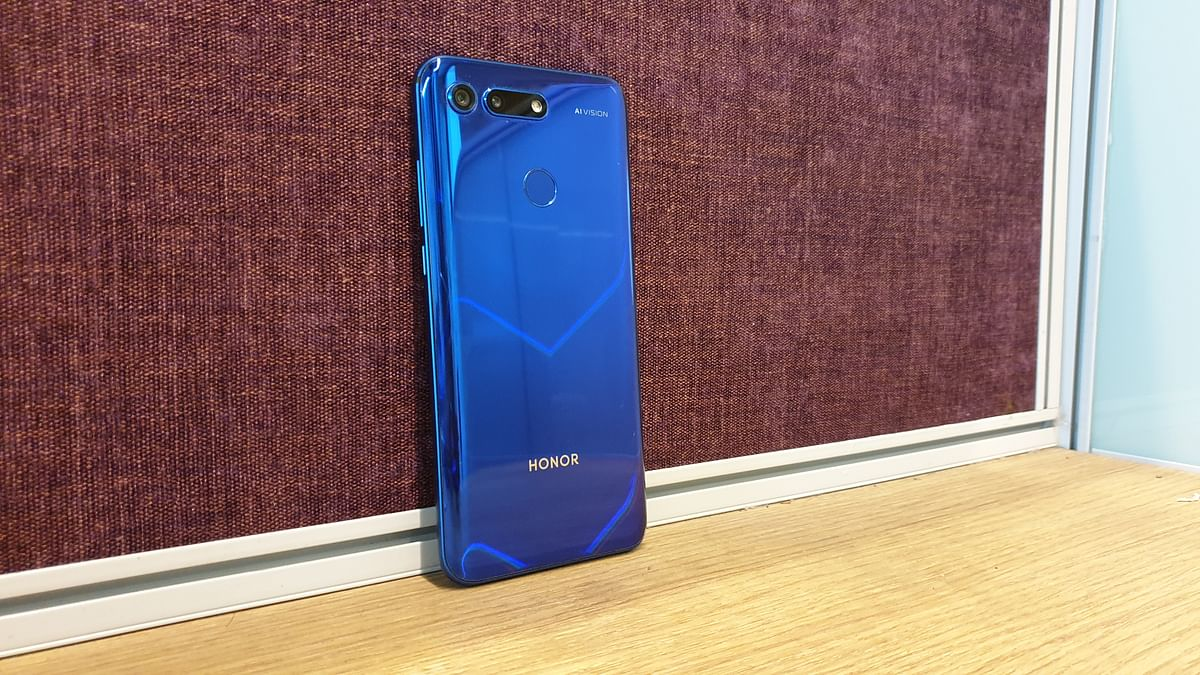 The Honor View 20 offers a 25-megapixel camera on the front.