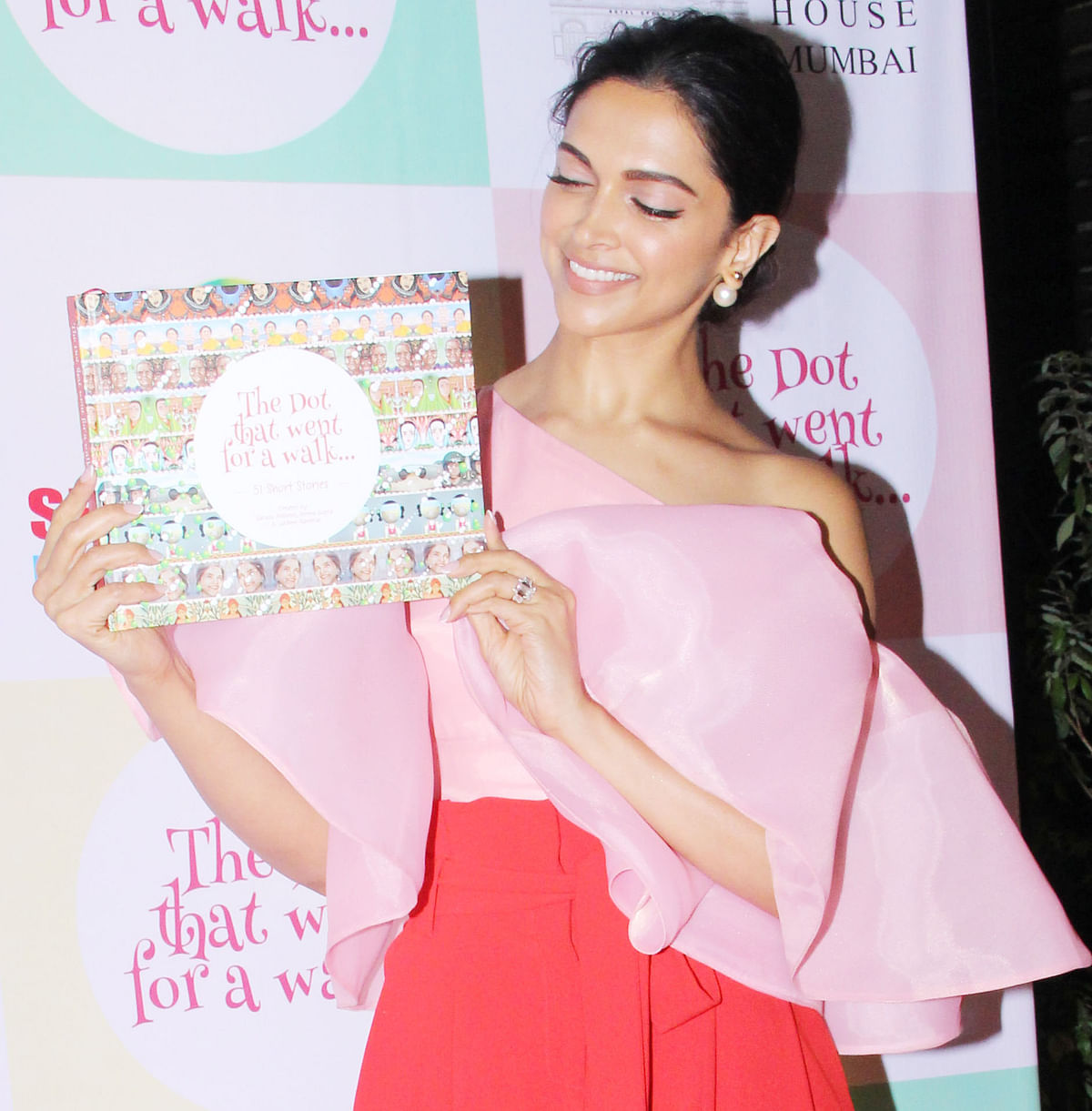 Deepika was present at the launch of the book <i>The Dot That Went For A Walk</i>.