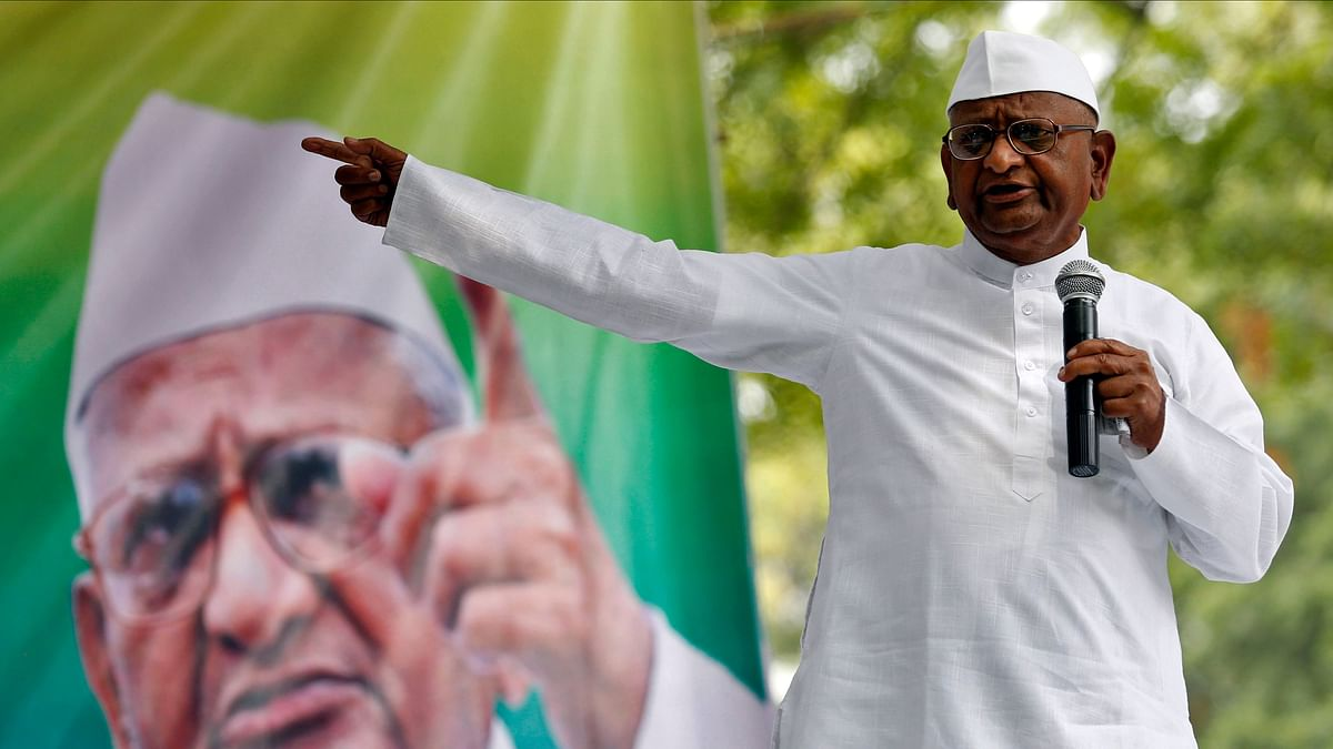 Anna Hazare Begins Hunger Strike Over Lokpal