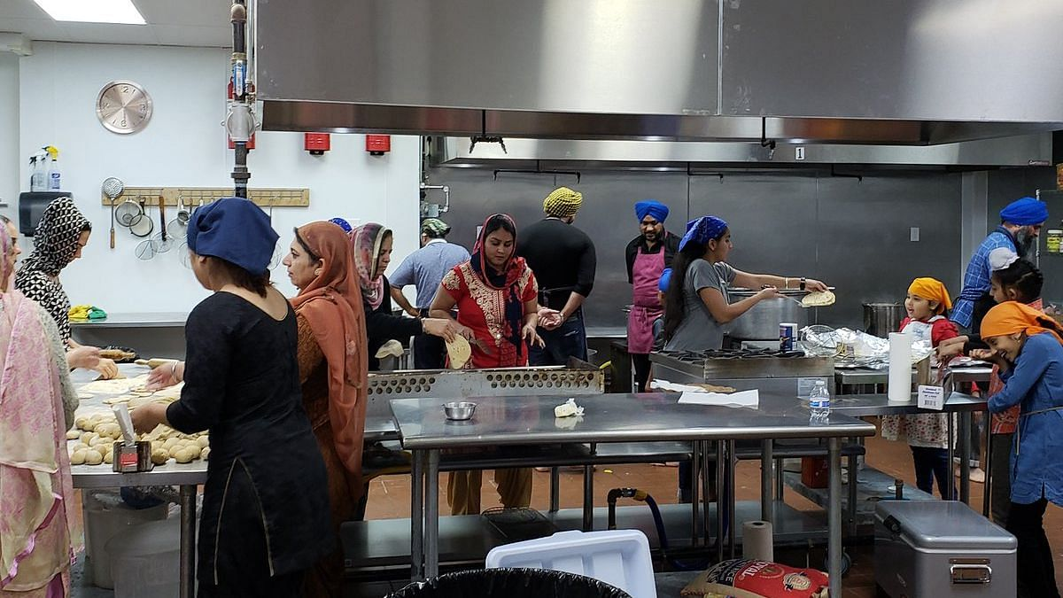 Amid Shutdown, Sikhs Feed Affected US Govt Employees in Texas