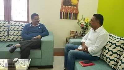 New Delhi: Actor Prakash Raj, who is set to contest the upcoming Lok Sabha election as an independent candidate meets Delhi Chief Minister and Aam Aadmi Party (AAP) leader Arvind Kejriwal days after the party extended its support to him, in New Delhi, on Jan 10, 2019. (Photo: IANS)