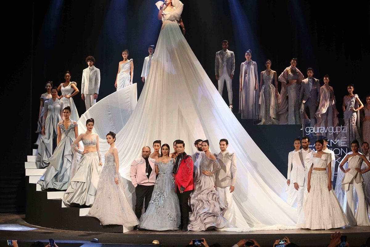 Tabu and Karan at the show's grand finale.