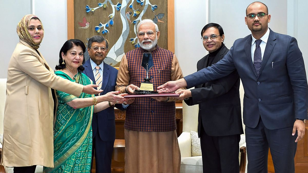 Kotler 'Endorses' Award to PM Modi Amid Questions from Opposition