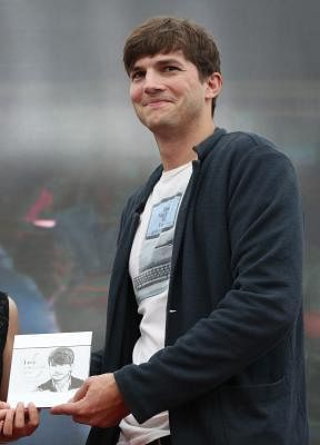 U.S. actor Ashton Kutcher. .(File Photo: Xinhua)
