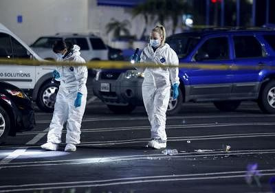 LOS ANGELES, Jan. 5, 2019 (Xinhua) -- Investigators work at the scene of a fatal shooting in Torrance, the United States, Jan. 5, 2019. Three people have been killed and four others injured in a shooting at the Gable House Bowl in the U.S. coastal city of Torrance near Los Angeles, the Torrance Police Department said Saturday. (Xinhua/Zhao Hanrong/IANS)