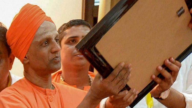 The baton of power at the mutt will now pass on to Siddalinga Swami.