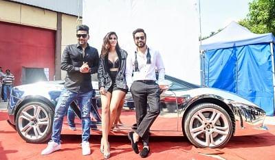 "Mumbai: Singer Guru Randhawa and actor Emraan Hashmi during shooting for a song of film ""Cheat India"" in Mumbai on Nov 14, 2018. (Photo: IANS)"
