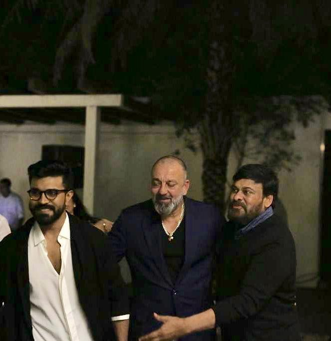 Chiranjeevi and Dutt also bonded on Bollywood and South Indian films.
