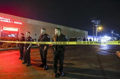 LOS ANGELES, Jan. 5, 2019 (Xinhua) -- Police officers work at the scene of a fatal shooting in Torrance, the United States, Jan. 5, 2019. Three people have been killed and four others injured in a shooting at the Gable House Bowl in the U.S. coastal city of Torrance near Los Angeles, the Torrance Police Department said Saturday. (Xinhua/Zhao Hanrong/IANS)