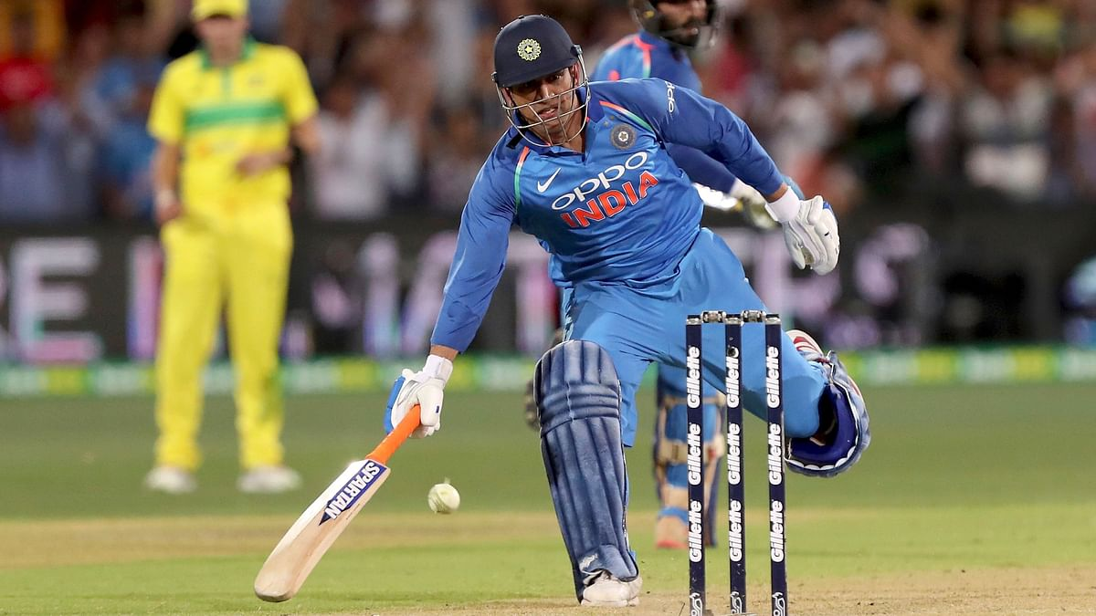"Kohli Clears Doubts About Dhoni's Part in Team After ""MS Classic"""