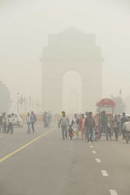 It was a misty morning in the national capital on Saturday with the minimum temperature recorded at 5.4 degrees Celsius, two notches below average, while the air quality was