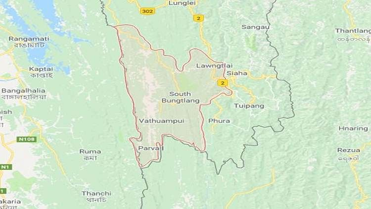 About 1,600 Chins, many of whom were women and children, have taken refuge in Lawngtlai district of Mizoram.