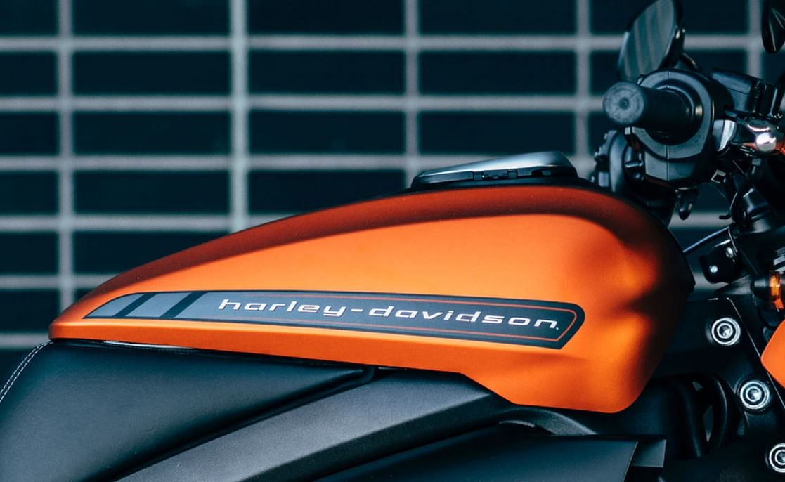 The overall look and feel of the bike is unlike any Harley Davidson bike we've seen till date.