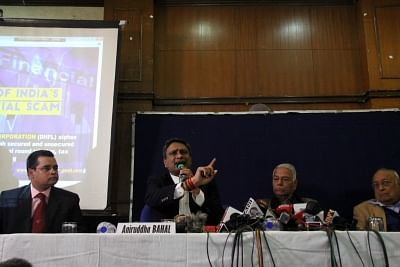 New Delhi: Cobrapost Founder Aniruddha Bahal addresses a press conference in New Delhi, on Jan 29, 2019. Also seen Former Union Minister Yashwant Sinha. (Photo: IANS)