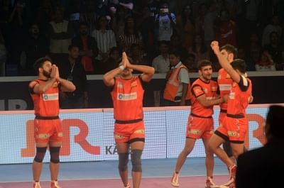 Mumbai: Bengaluru Bulls players celebrate after winning the Pro Kabaddi League Season 6 final match against Gujarat Fortunegiants at NSCI in Mumbai on Jan 5, 2019. (Photo: IANS)