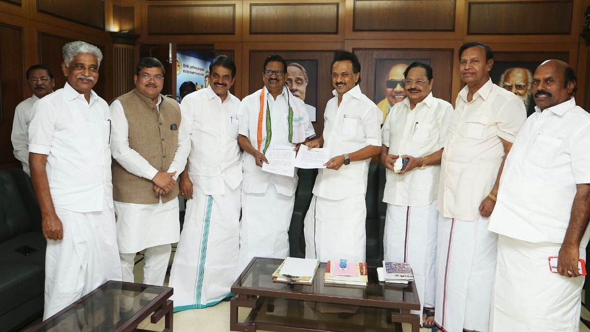 Cong Seals Alliance With DMK, to Contest 9 Seats in Tamil Nadu