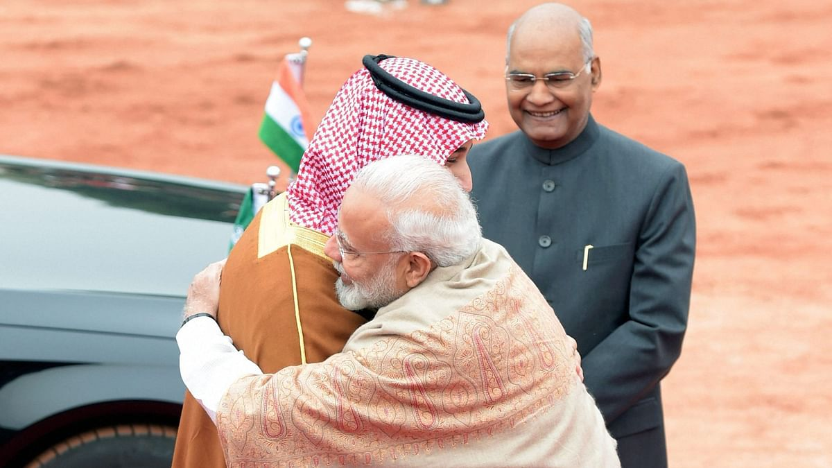 Saudi Crown Prince MSB being hugged by Prime Minister Narendra Modi as President Ram Nath Kovind watches over.
