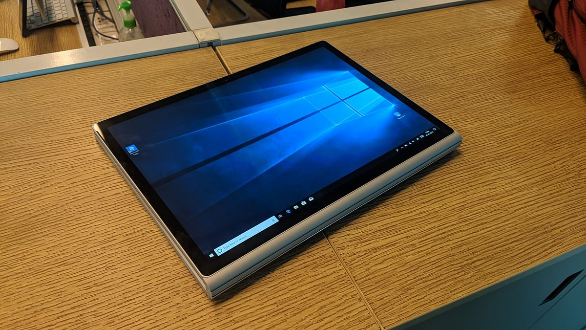 Microsoft's 9-inch Foldable Surface PC Could Support Android Apps