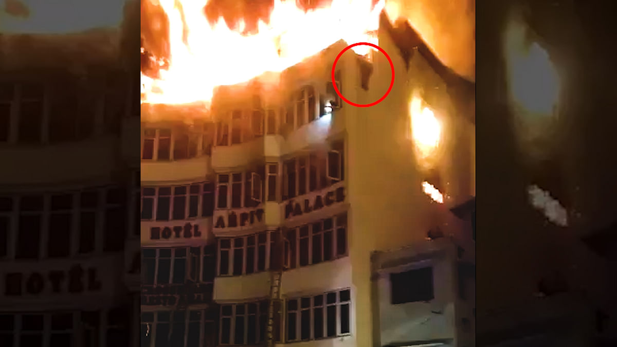 Karol Bagh: Cook, I-T Officer Trying to Escape Fire Fall to Death