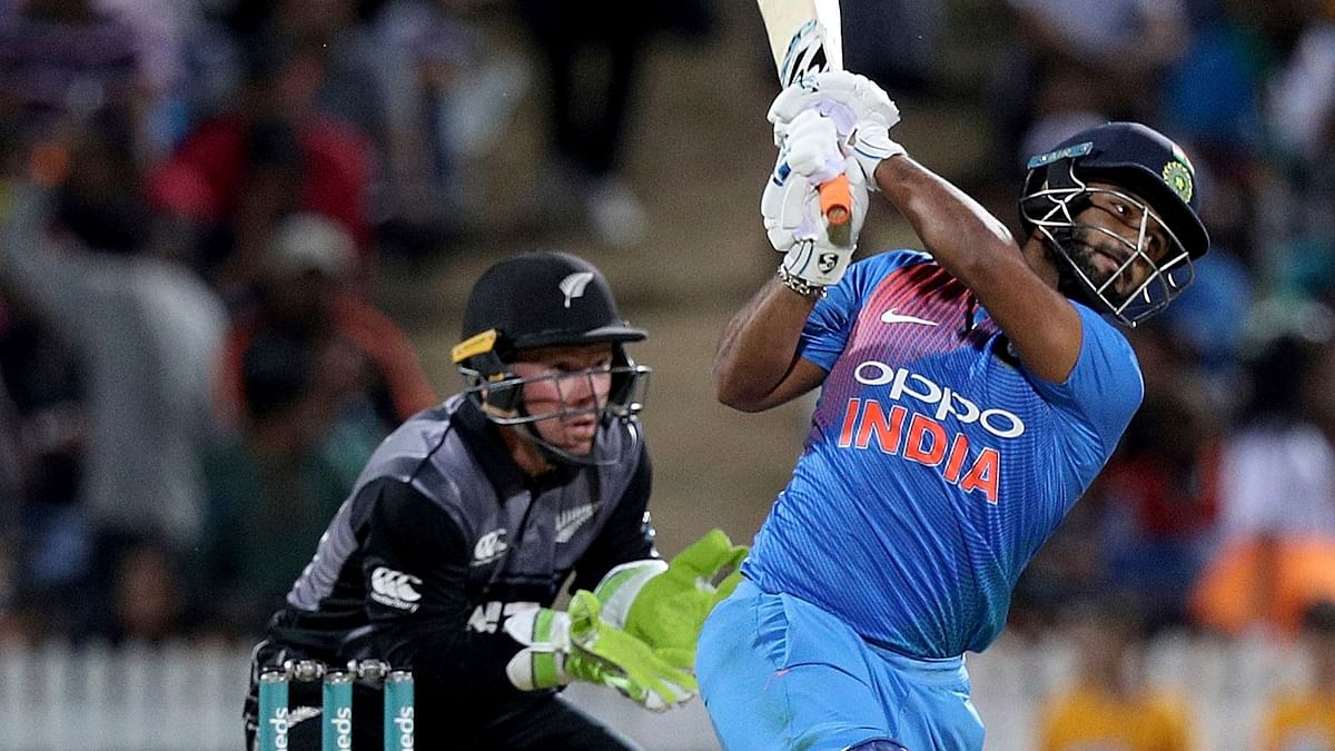 It rained sixes as the Rishabh Pant hit Sodhi and Santner for three sixes.