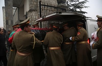 KABUL, Feb. 13, 2019 (Xinhua) Afghan honor guard carry the coffin of Afghan former president Sibghatullah Mujaddadi during a funeral ceremony in Kabul, capital of Afghanistan, Feb. 13, 2019. The body of former Afghan President Sibghatullah Mujaddadi was laid to rest in his ancestral graveyard here in Kabul on Wednesday amid tight security. Photo (Xinhua/ANS)