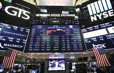 NEW YORK, Jan. 2, 2019 (Xinhua) -- Electronic screens with trading data are seen at the New York Stock Exchange in New York, the United States, on Jan. 2, 2019. U.S. stocks ended slightly higher on Wednesday, starting a new year with a fluctuant trading day. The Dow Jones Industrial Average closed 18.78 points, or 0.08 percent, higher to 23,346.24. The S&P 500 edged 3.18 points, or 0.13 percent, higher to 2,510.03. The Nasdaq Composite Index rallied 30.66 points, or 0.46 percent, to 6,665.94. (X