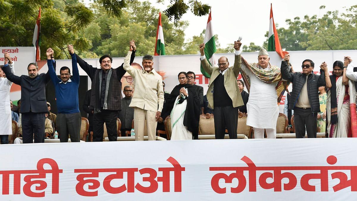 (L-R) Anand Sharma,  Arvind Kejriwal, Shatrughan Sinha, N Chandrababu Naidu, Mamata Banerjee, Sharad Pawar, Farooq Abdullah,  Gegong Apang, Kanimozhi during AAPs Tanashahi Hatao, Desh Bachaoin Delhi on Wednesday, 13 February.