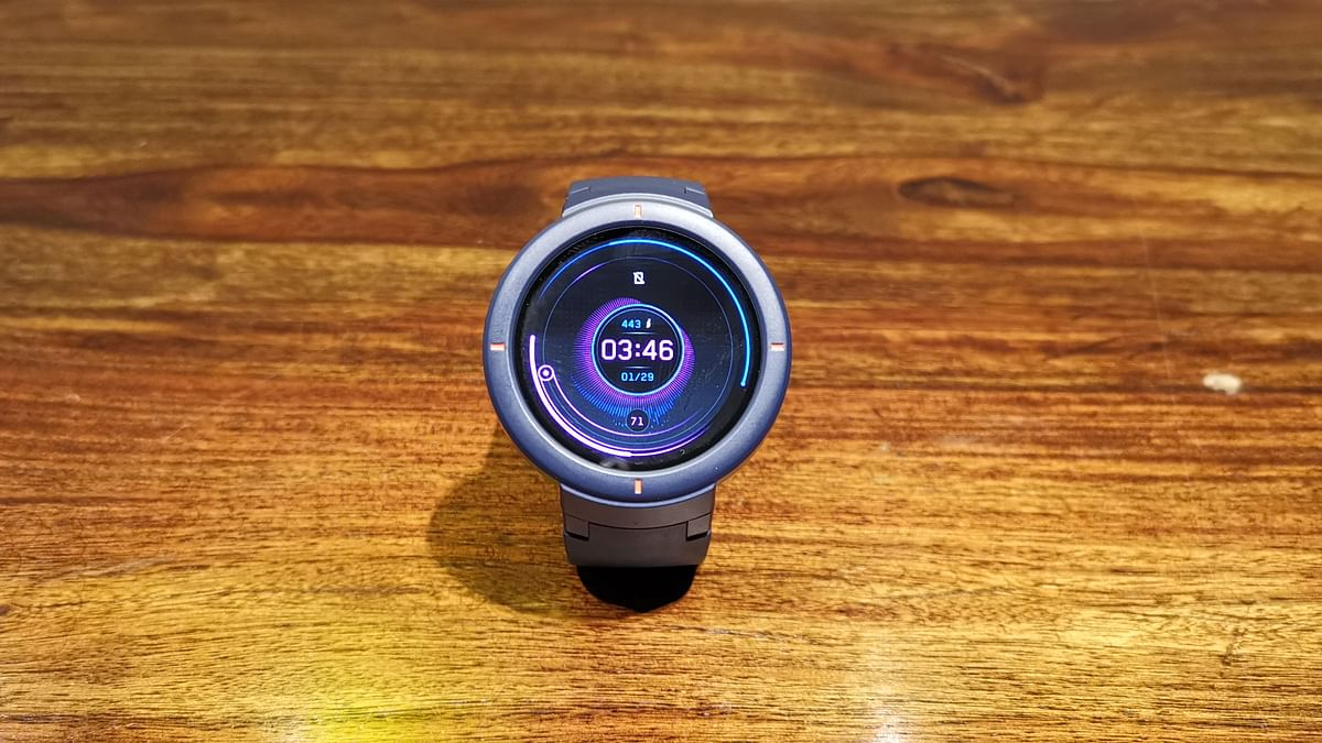 The Amazfit Verge comes with a 1.3-inch AMOLED display.