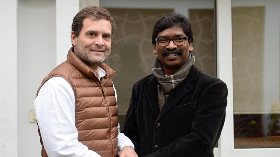 Congress President Rahul Gandhi and JMM Working President Hemant Soren met and finalised the alliance between the two parties in Jharkhand.