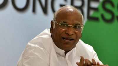 Cong Slams Modi Govt in LS, Says 'Weakening Constitutional Bodies'