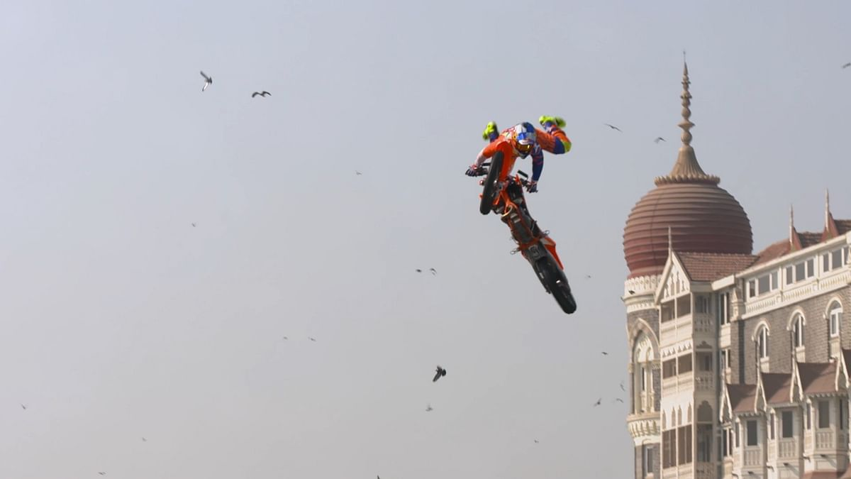 Motocross Bikers Stun Mumbaikars at FMX Jam