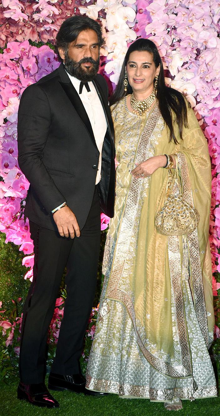 Suniel Shetty with wife Mana Shetty.