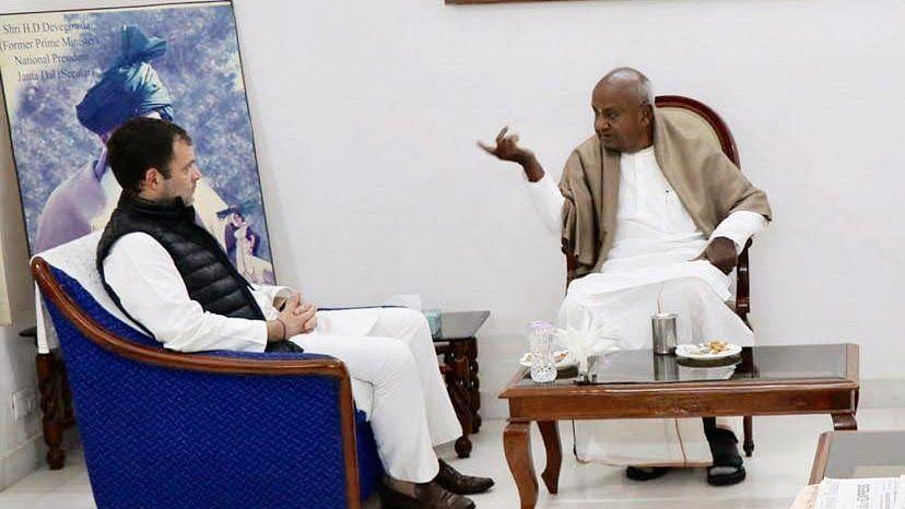 Deve Gowda meeting Rahul Gandhi.