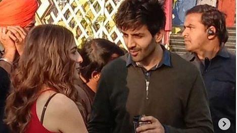 Sara Ali Khan, Kartik Aaryan Shoot in Delhi for 'Love Aaj Kal 2'