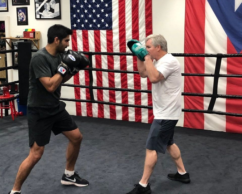 Vijender Singh to Make US Pro Boxing Debut on 12 April