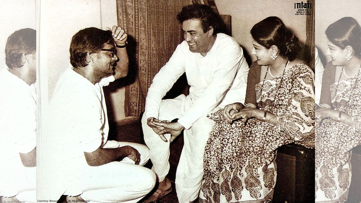 Gulzar with Sanjeev Kumar and Moushmi Chatterjee on the sets of <i>Angoor (1982)</i>