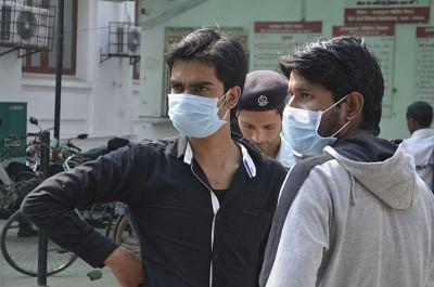 People wearing masks as a precautionary measure against swine flu<i>. (Representative image)</i>