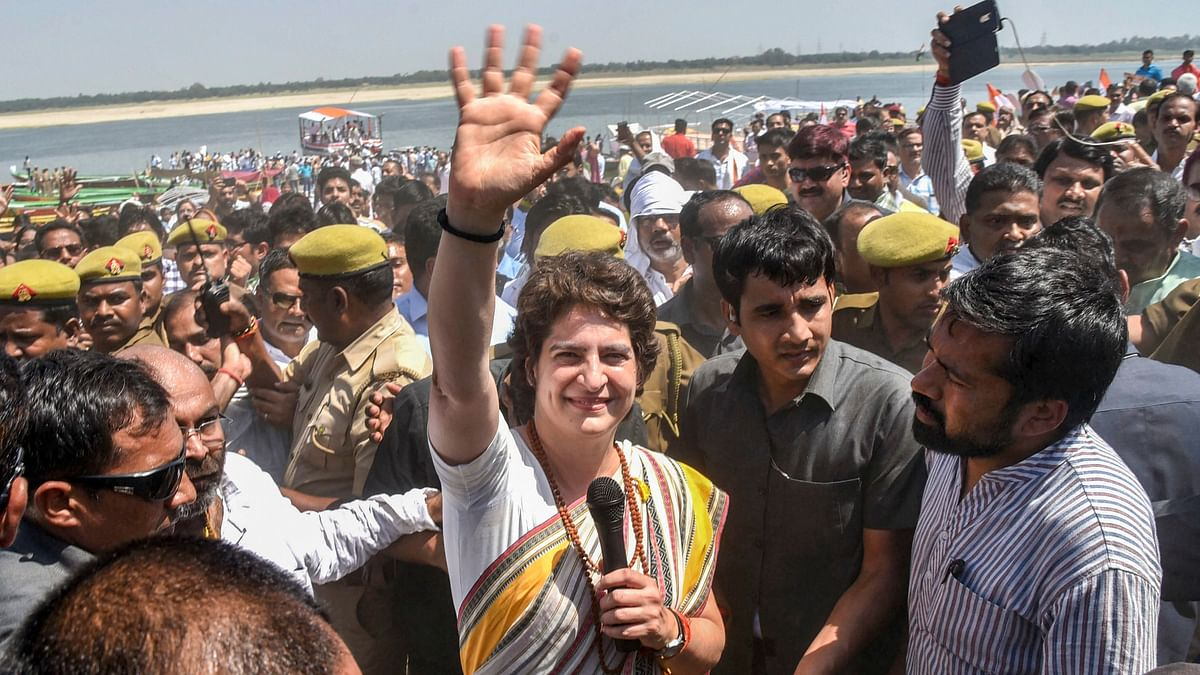 Priyanka Gandhi Concludes Her Ganga Yatra at Vishwanath Temple