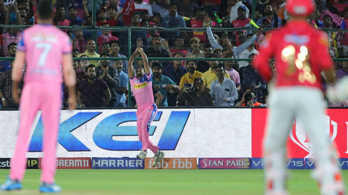 Dhawal Kulkarni of Rajasthan Royals takes the catch to dismiss Mayank Agarwal of Kings XI Punjab during the  Indian Premier League Season 12, 2019.