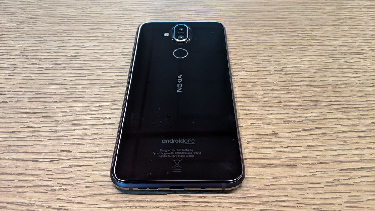 Nokia 8.1 has a refreshing design with sturdy finishing, but a delicate body.