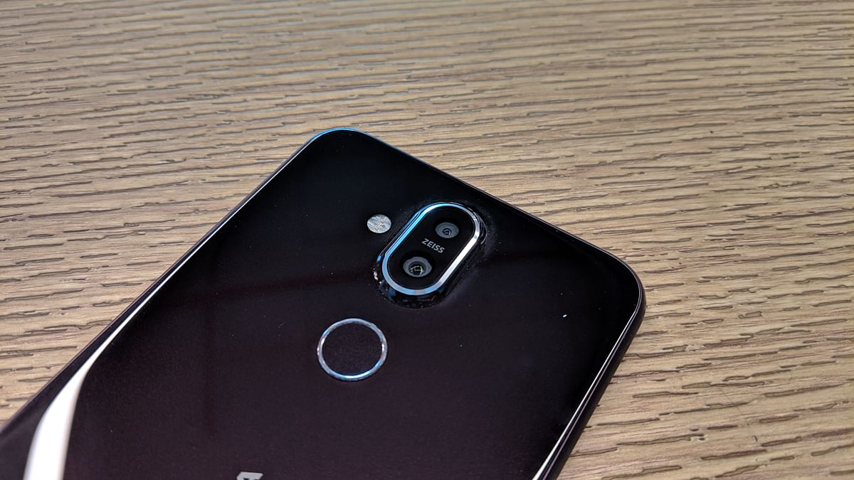 Dual rear cameras on the Nokia 8.1