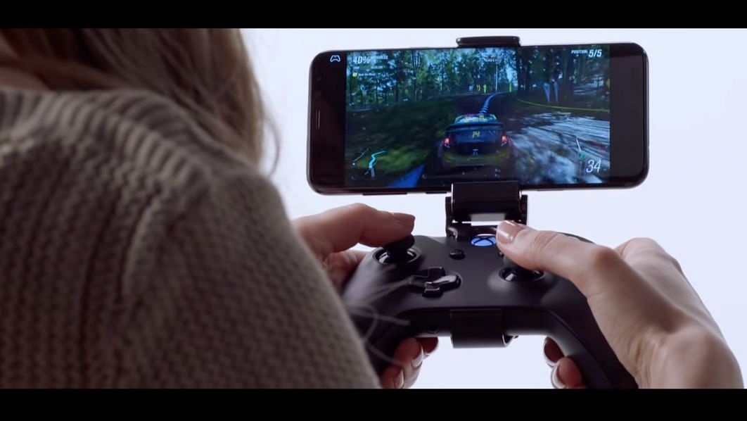 Microsoft displays the xClod by running the Xbox game Forza on a smartphone.