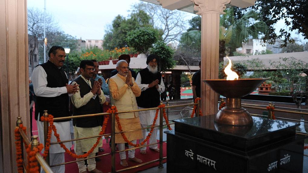 100 Yrs of Jallianwala Bagh Massacre: PM, Rahul Gandhi Pay Tribute