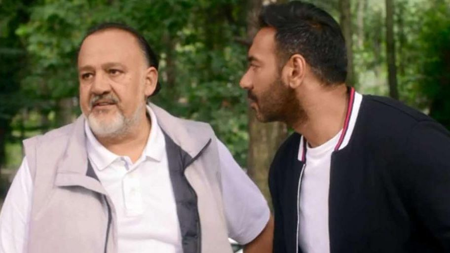 Ajay Devgn and Alok Nath in a still from <i>De De Pyaar De</i>.