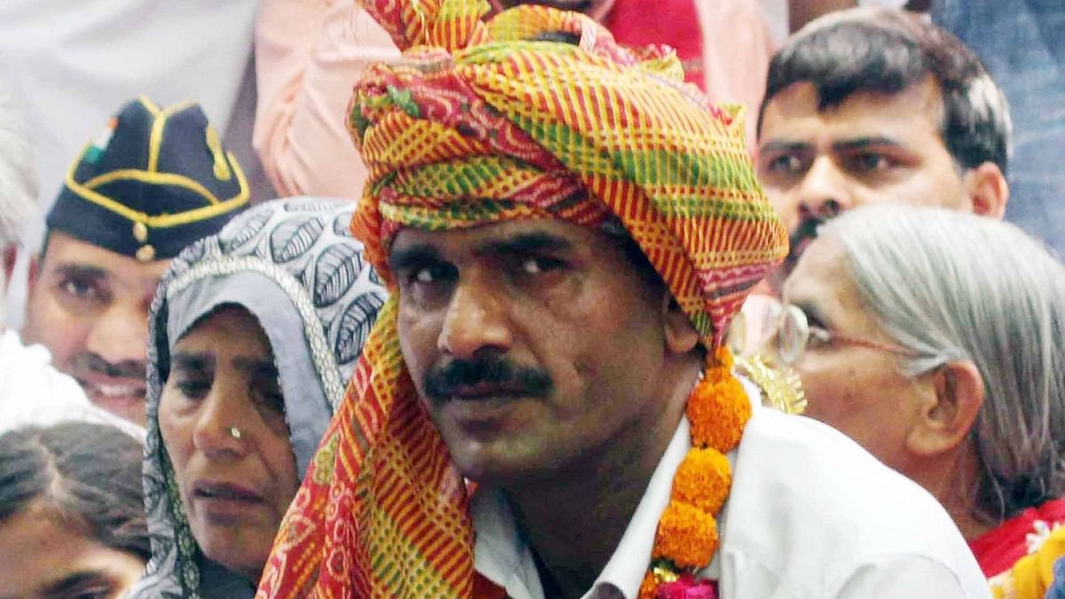 SP Fields Ex-BSF Jawan Tej Bahadur Against PM Modi in Varanasi
