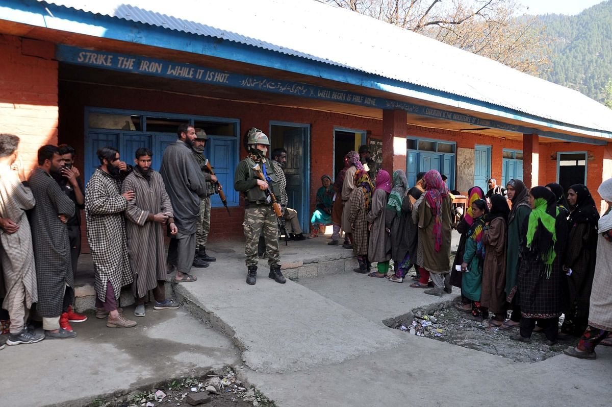 Three-Phase Polling Fails to Attract Voters in J&K's Anantnag